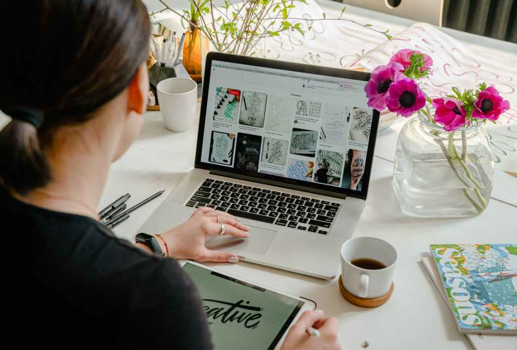 Work from home or anyplace with a web associatin. Become an online assistant!